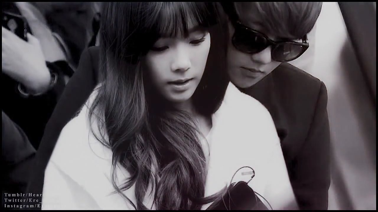 The gallery for --> Baekhyun And Taeyeon Selca