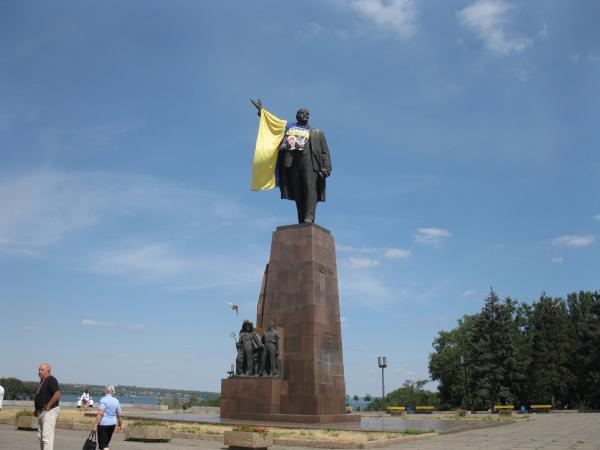 В Павлограде сбросили памятник Ленину - Цензор.НЕТ 7954